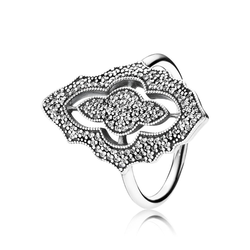 טבעת מלוכה נוצצת עם זרקונים
