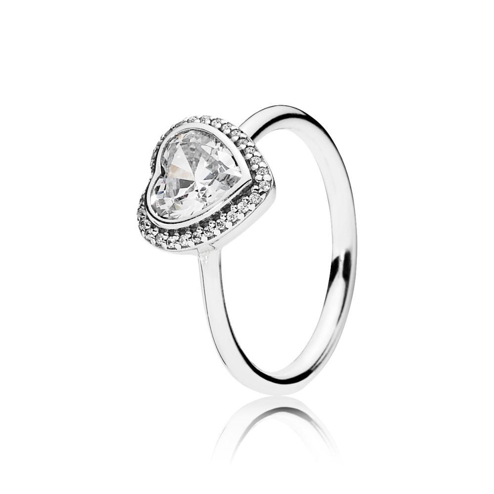 טבעת אהבה זוהרת מכסף סטרלינג בשיבוץ זרקונים